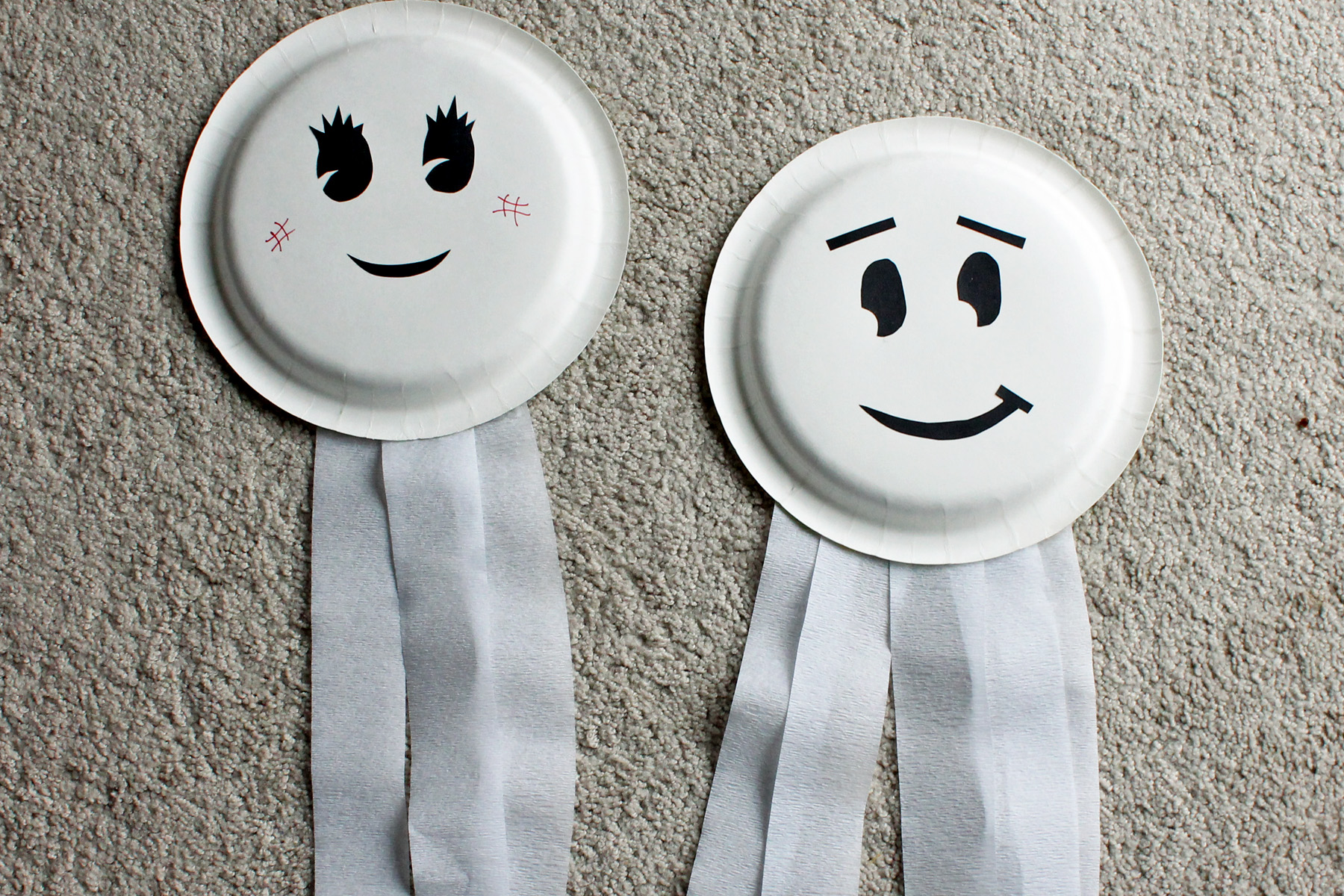 Starting ... & Paper Plate Ghosts - Who Arted?